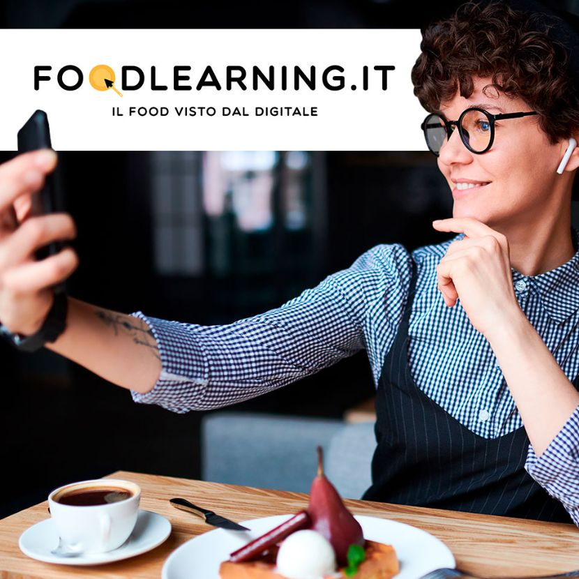 Foto food influencer con logo foodlearning.it