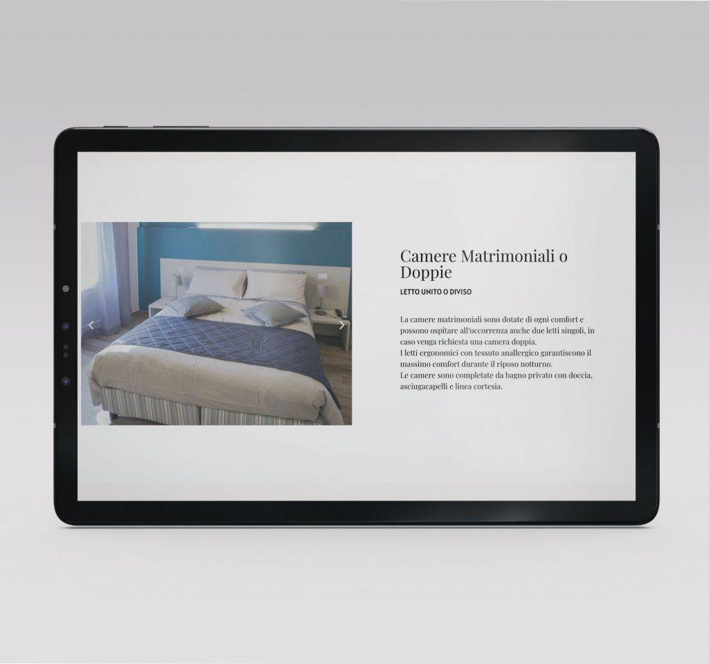 Pagina camere hotel Cavallo Bianco su tablet